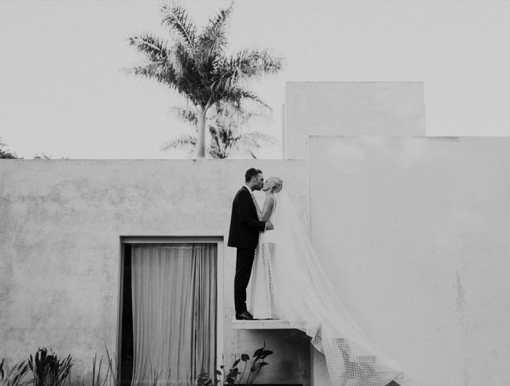 Real Bride Ashlee Ashlee Barett-Bourmier wears Ella Moda from Sphere Collective in Australia to her wedding in Mexico